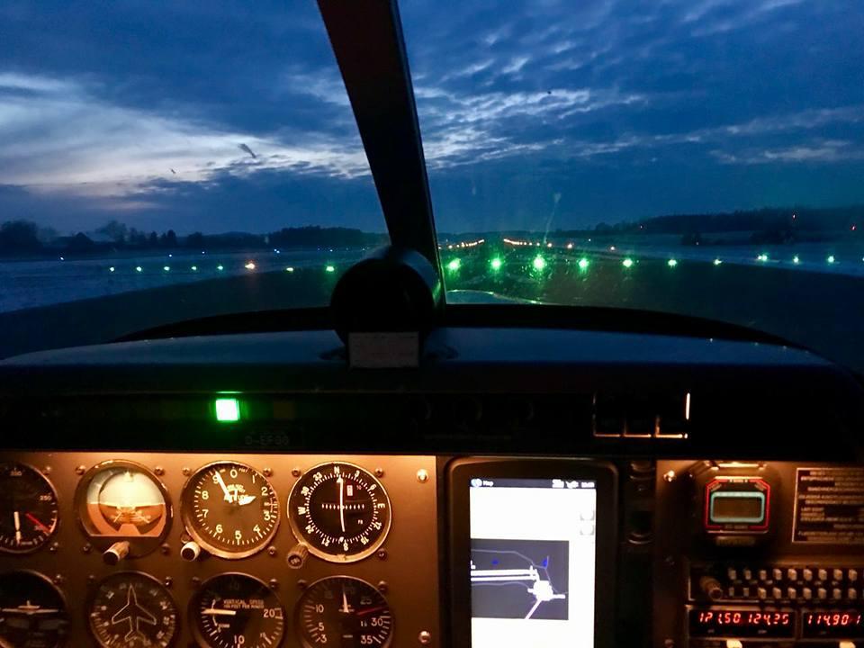 Nachtflug D-EFGG